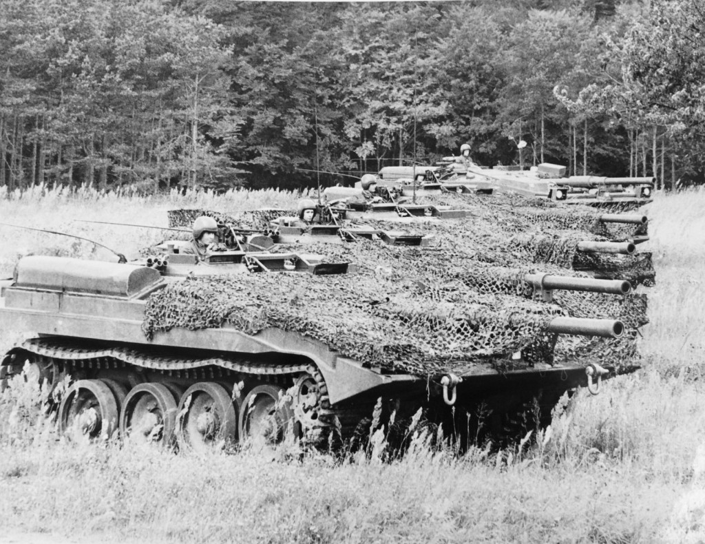Five S-tank prototypes (from the 0-series) at Ravlunda exercise field, 1966. Photo credit: Svenskt Pressfoto, Malmö/Försvarsstabens pressavdelning